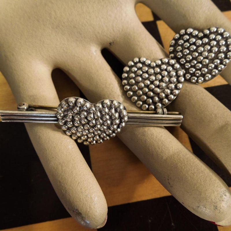Fineste vintage smykkesæt i sterling sølv med hjerter. Clips & Broche.