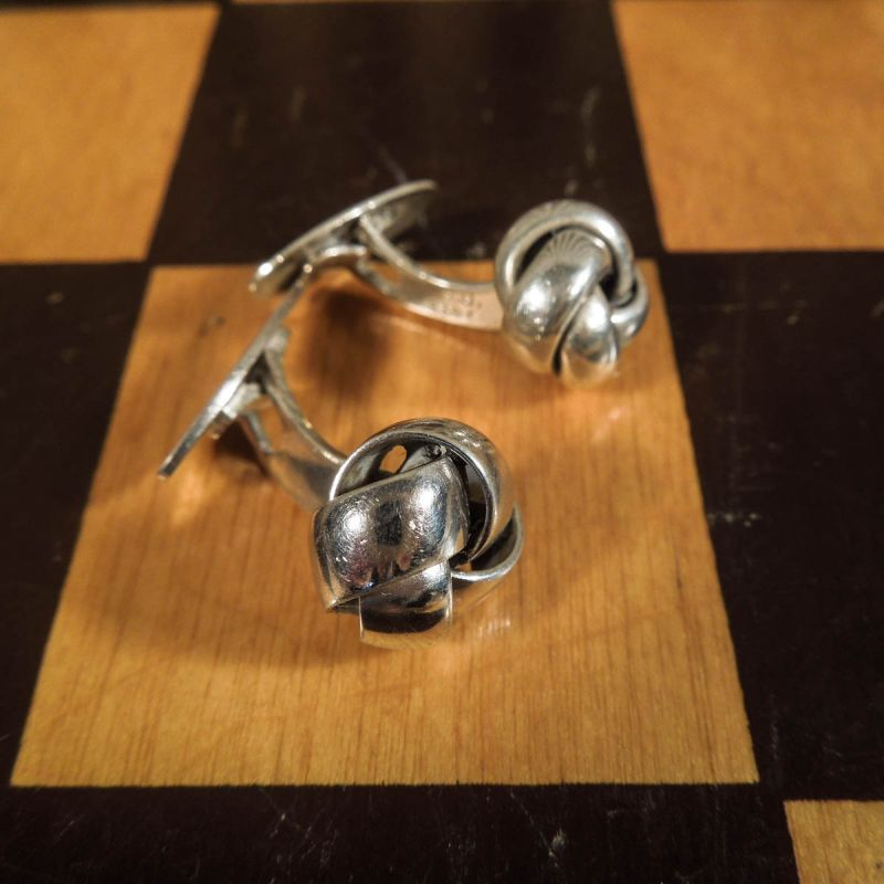 Vintage knude manchet-knapper i sølv fra Hugo Grün.