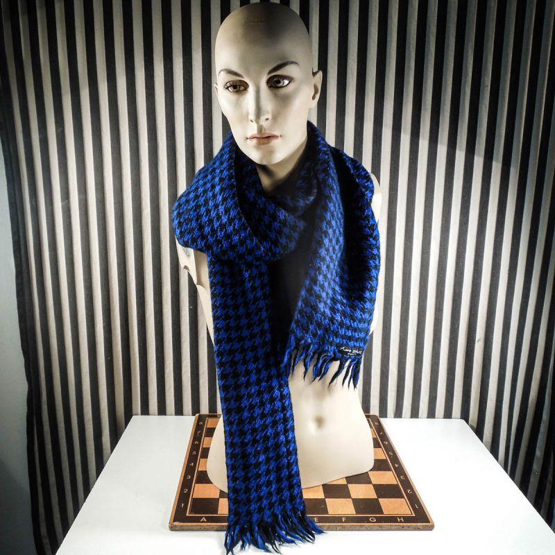 Skønt kæmpe-uldtørklæde fra Anne Feldballe i sort & kobolt!