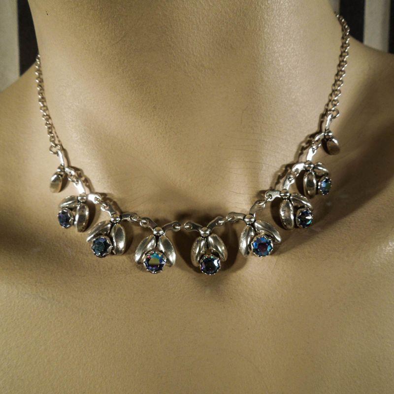 Meget smuk vintage halskæde fra Herman Siersbøl med blålige sten!