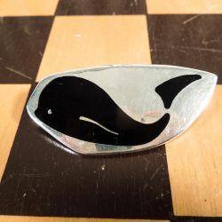 Vintage Meka sølv-broche med motiv af hval.