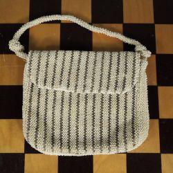 Vintage perletaske i hvid & sølvfarvede glasperler