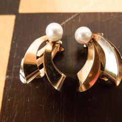 Vintage øreclips i 14 karat guld fra Herman Siersbøl med ægte perle