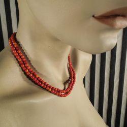 Smukkeste orange-røde vintage halskæde af natur-perler, to-radet med lås af sølv.