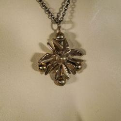 Vintage designer halskæde i kobber formet som blomst