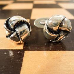 Smukke, klassiske vintage knudemanchetter i sterling sølv fra S. Chr. Fogh.