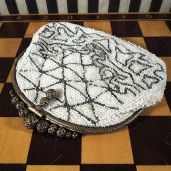 Vintage perletaske i smukke hvide & sølvfarvede perler