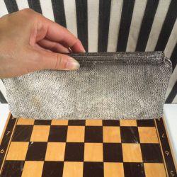 Vintage clutch - besat med hundredevis af små sølvfarvede perler!