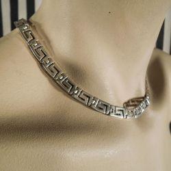 Smuk gedigen sølv halskæde i grafiske mønster