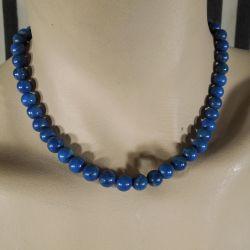 lækker vintage halskæde af store polerede lapis perler.