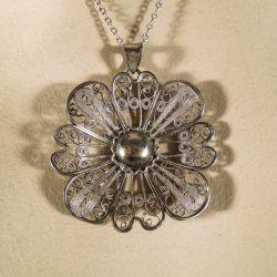 Virkelig smuk vintage filigran vedhæng i sølvkæde.
