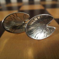 Vintage sølv øreskruer med motiv af åkande