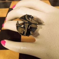 Geometrisk finsk vintage design klemme-ring i bronze