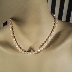 Vintage halskæde af akoya perler med guldlås!!