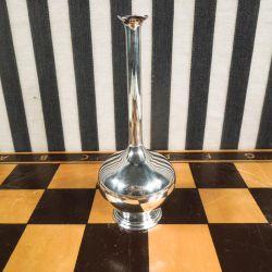 Antik skønhed af en vase fra Hugo Grün i tretårnet sølv.