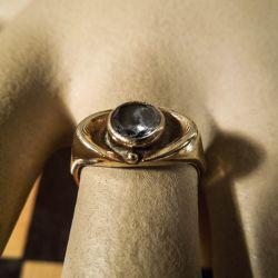 Siersbøl vintage guld ring med klar sten.