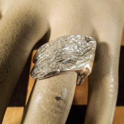 Vintage designer-ring i organisk design! Sølv.