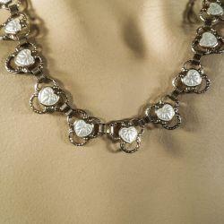 Vintage halskæde i forgyldt sterlingsølv med hvide emalje-hjerter!