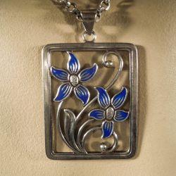 Vintage emalje vedhæng i kraftig sølvkæde fra Thor Seltzer!