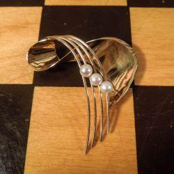 Særdeles smuk guld vintage broche med Akoya perler!