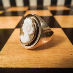 Vintage ring i guld med camé!