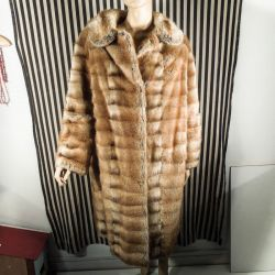 Vintage knæ-lang Nutria pels i suveræn kvalitet