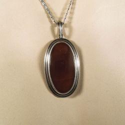 Vintage halskæde i sølv med vedhæng i sølv & karneol!