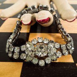 Den smukkeste vintage rhinstens-armlænke