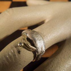 Vintage design ring i sterling sølv/guld med brillant.