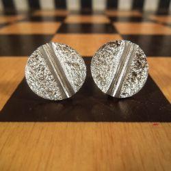 Fine ørestikkere i sterling sølv fra From