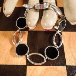 Det smukkeste vintage N. E. From armbånd i sterling sølv & onyx.