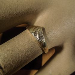 Vintage guld ring med diamant.