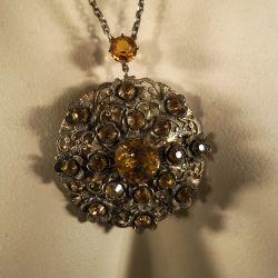 Vintage skønhed af halskæde med gule sten! Bijouteri.
