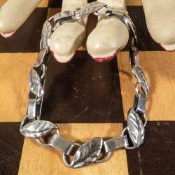 Antik sølv armlænke med motiv af bladværk!