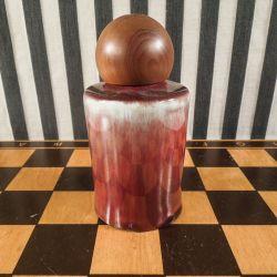 Vintage lågkrukke med træ-prop fra Royal Dux i perfekt stand.