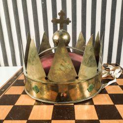 Vintage kongekrone antageligt fra en teater-opsætning.