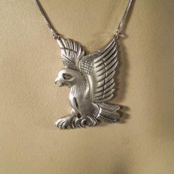 Lækker ørne-halskæde i sterling sølv fra Julie Sandlau.