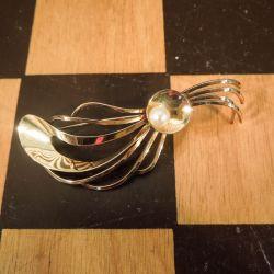 Vintage broche i guld med ægte Akoya perle fra Herman Siersbøl!