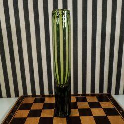 Stor, smuk grøn vase fra Holmegaard, designet af Per Lutken.