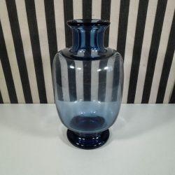 Vintage Holmegaard vase i mørkeblåt glas designet af Per Lütken!