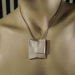 Spændende vintage, designer sølv-vedhæng/broche i halskæde!