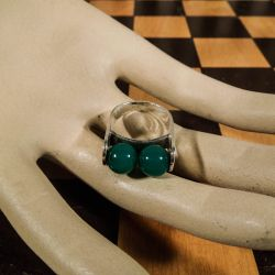 Vintage designer ring i sterling sølv med chrysopras-perler!