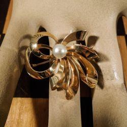 Smukkeste Siersbøl guld broche med ægte Akoya perle!