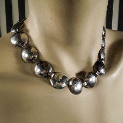 Vintage, håndlavet halskæde i hammerslået sølv!