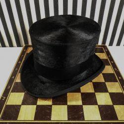 Fantastisk høj hat i suveræn kvalitet fra Richmond!