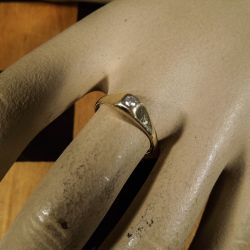 Vintage guld ring med stor diamant!
