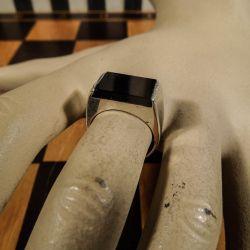 Super fin vintage dame-ring i sterling sølv med onyx!