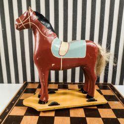 Fantastisk dekorativ hest på hjul, fængsels-legetøj i stor størrelse!