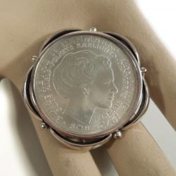 Vintage sølv jubilæumsmønt som broche i sølv ramme fra N.E From