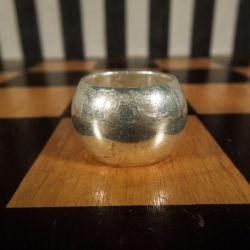 Super lækker massiv vintage ring i sterling sølv!